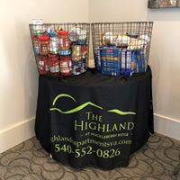 Highlands at Huckleberry Ridge Hosts Food Drive for United Way